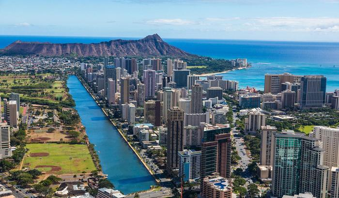 Hawaii offers free flights to remote workers